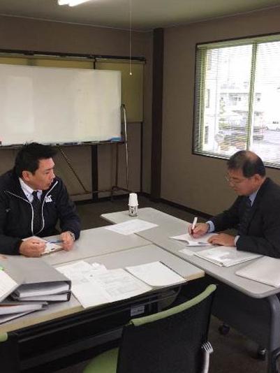 営業課長坂口より営業部門の説明